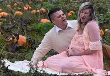 hilarious maternity shoot