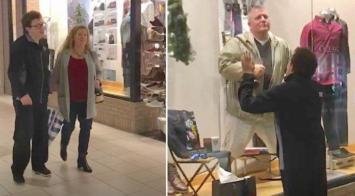 mall dad entertains son