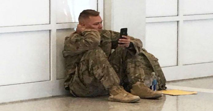soldier Brooks Lindsey