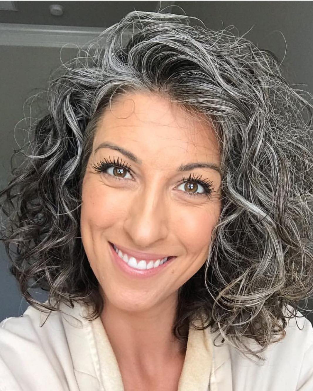 hair grey natural grombre trend instagram rocking beauty